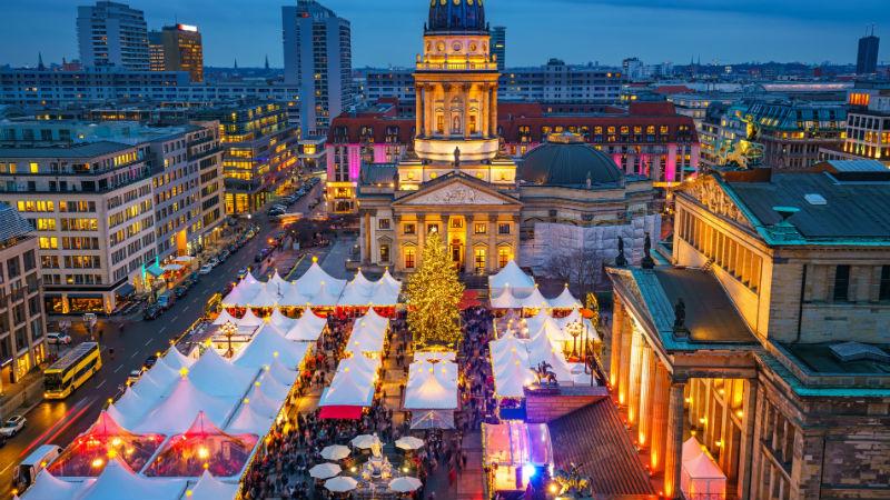 Christmas market Deutscher Dom and konzerthaus in Berlin