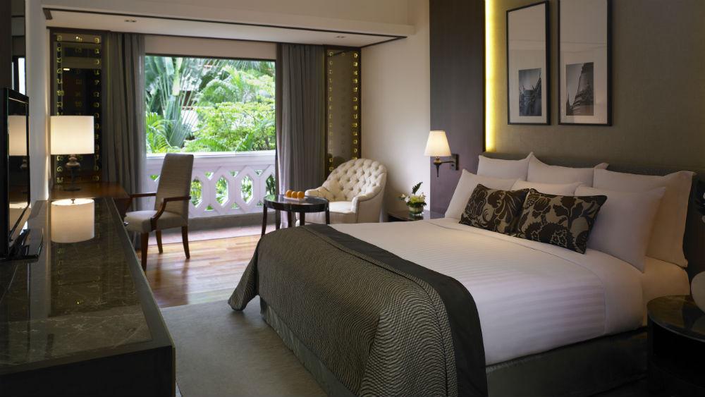 Deluxe Room at the Anantara Riverside Bangkok Resort