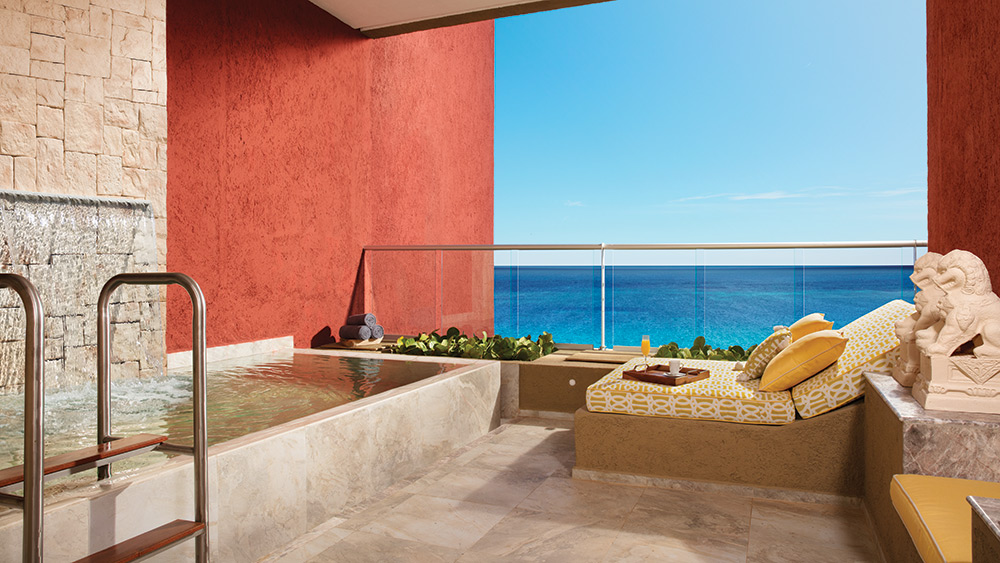 Private pool of the Impression Ocean Front Junior Suite with Plunge Pool at Zoetry Paraiso de la Bonita