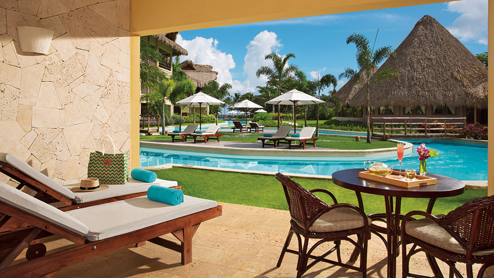 Terrace of the Junior Suite Agua Swim Up at Zoetry Agua Punta Cana