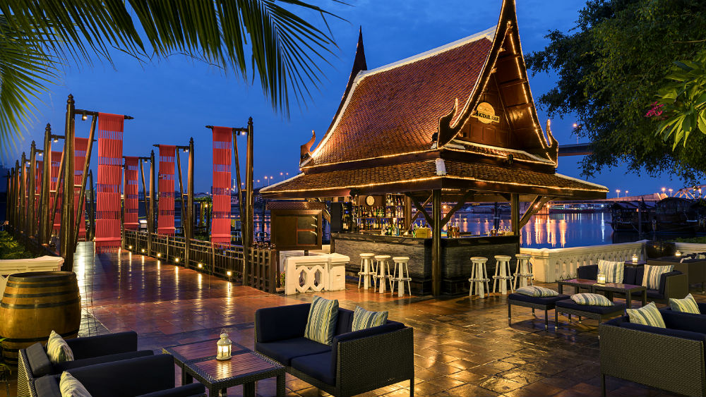 Longtail bar at the Anantara Riverside Bangkok Resort
