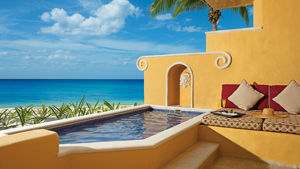 Private Pool of the Ocean Front One Bedroom Suite with Pool at Zoetry Paraiso de la Bonita