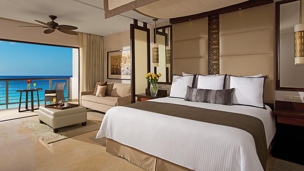 Bedroom of the Preferred Club Junior Suite Ocean View at Secrets Playa Mujeres