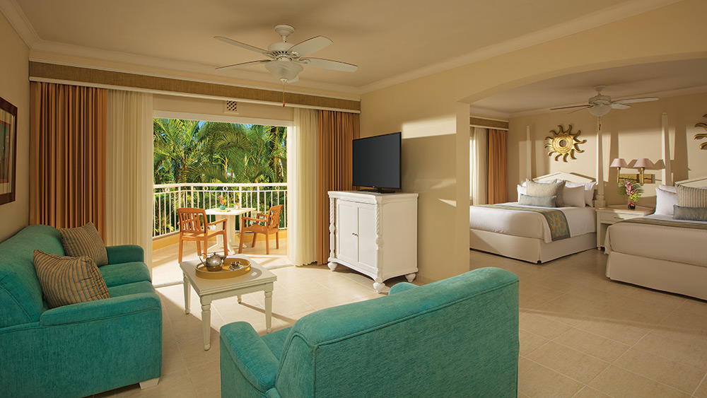 Living room of the Preferred Club Junior Suites Tropical View at Dreams Punta Cana
