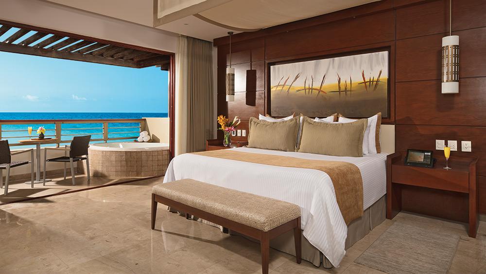 Bedroom of the Preferred Club Master Suite Ocean View at Secrets Playa Mujeres