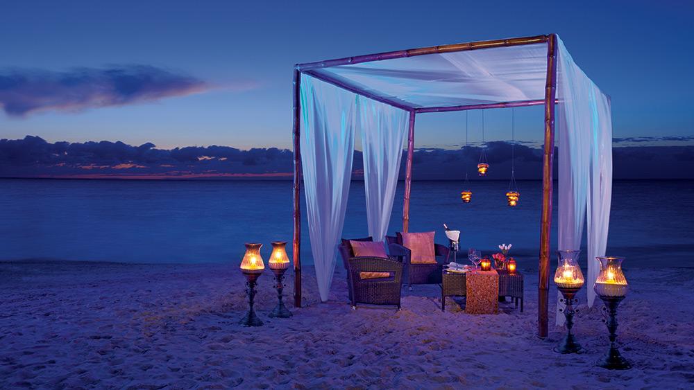 Private dining on the beach at Secrets Capri Riviera