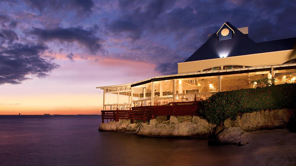 Sunset over Rolandi Restaurant at Zoetry Villa Rolandi Isla Mujeres