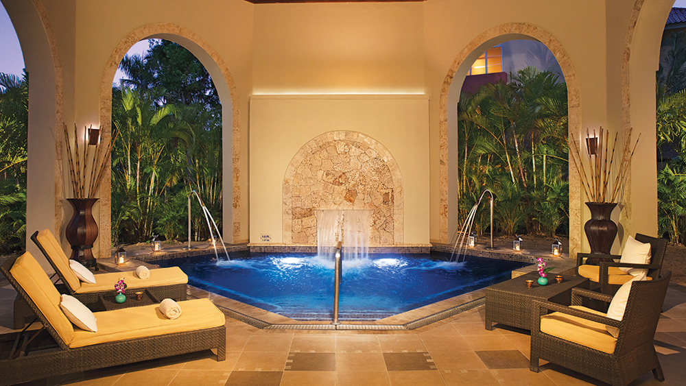 Jacuzzi in the spa at Dreams Punta Cana