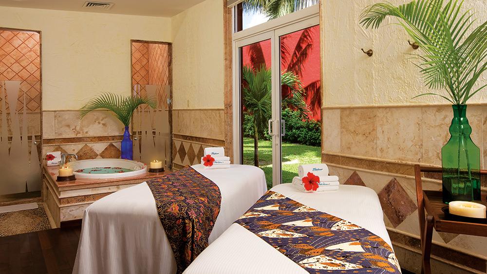Treatment room at the spa at Zoetry Paraiso de la Bonita