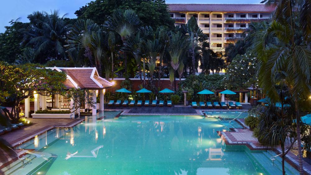 Tropical swimming pool at the Anantara Riverside Bangkok Resort