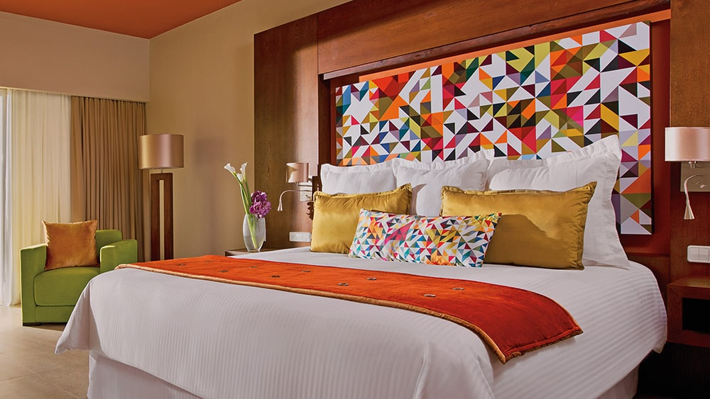 Bedroom of the Allure Junior Suite tropical View at Breathless Punta Cana