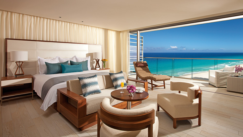 Sitting area of the Junior Suite Ocean View at Secrets The Vine