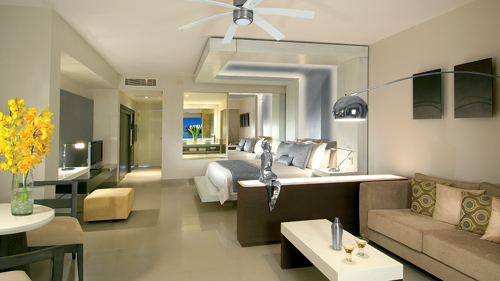 Bedroom of the Junior Suite Tropical View at Secrets Silversands
