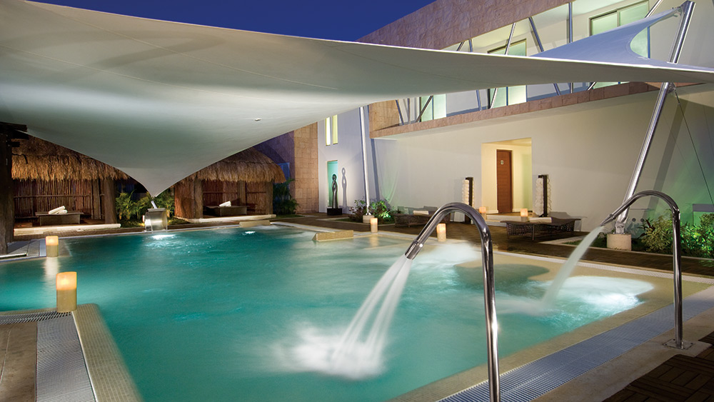 Hydrotherapy pool in the spa at Secrets Silversands Riviera