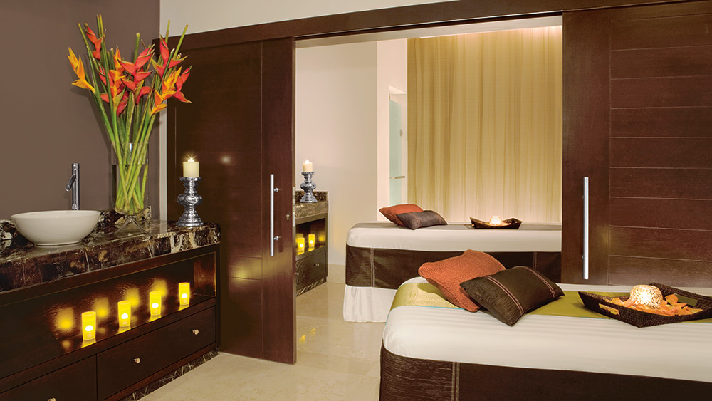 Treatment tables in the spa at Secrets St James