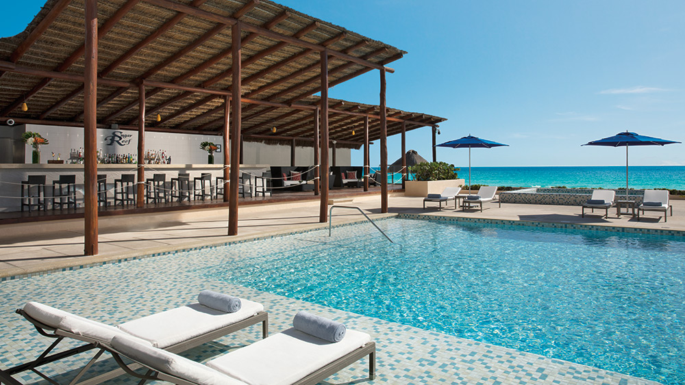 Pool and Sugar Reef Bar at Secrets The Vine