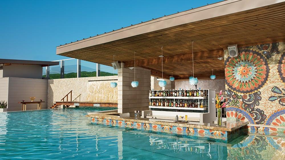 Swim-up bar at Breathless Montego Bay