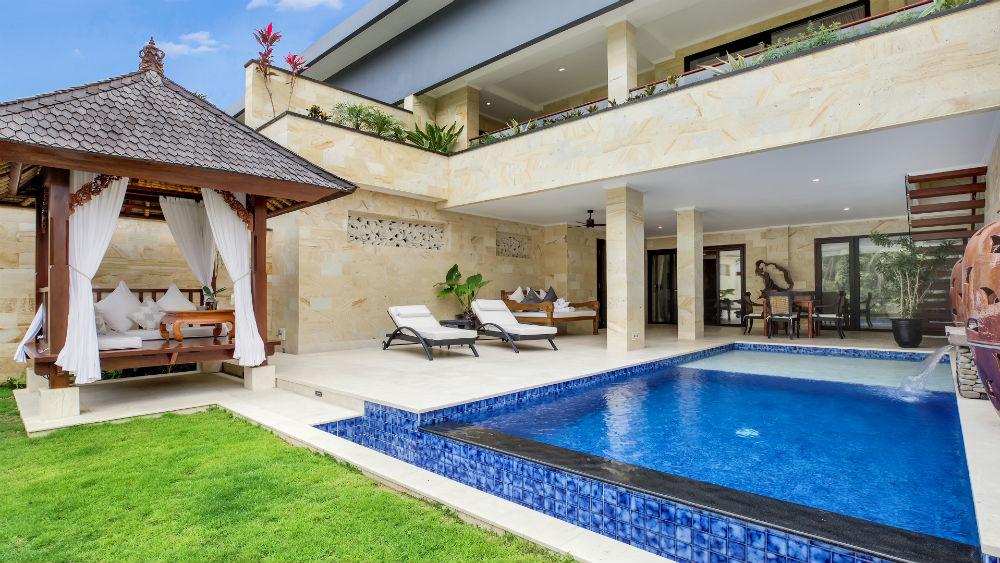 Viceregal Swimming Pool at the Viceroy Bali