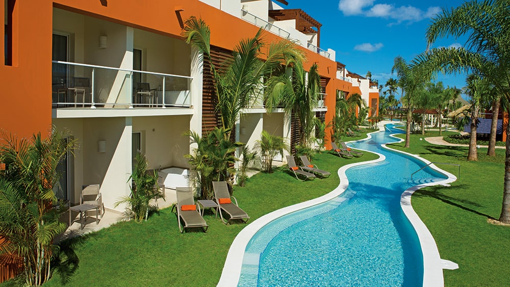 Exterior of the Xhale Club Junior Suite Swim-up at Breathless Punta Cana