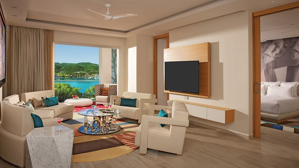 Living room of the Xhale Club Master Suite Ocean View at Breathless Montego Bay