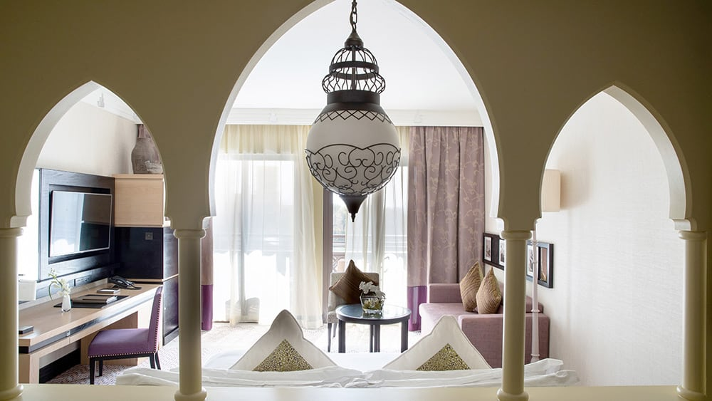 Bedroom of the Arabian Club Room at Jumeirah Mina A'Salam