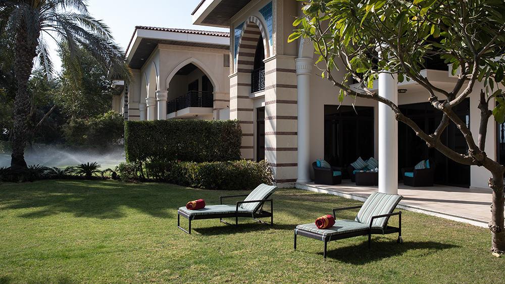 Private exterior of the Beach Royal Residences at Jumeirah Zabeel Saray