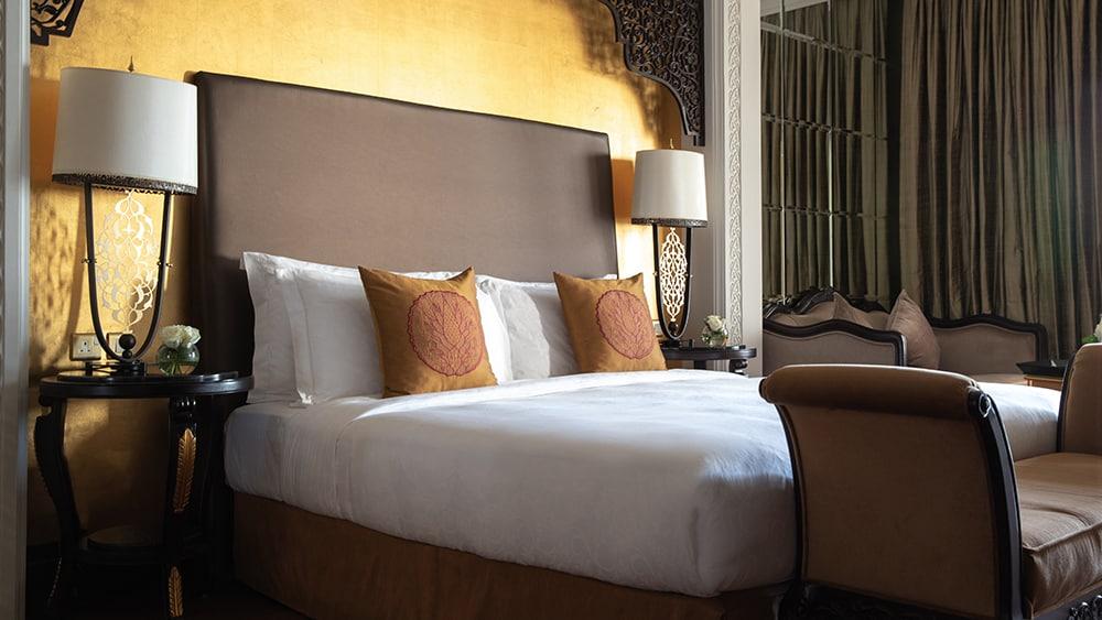 Bedroom of the Club King Room at Jumeirah Zabeel Saray
