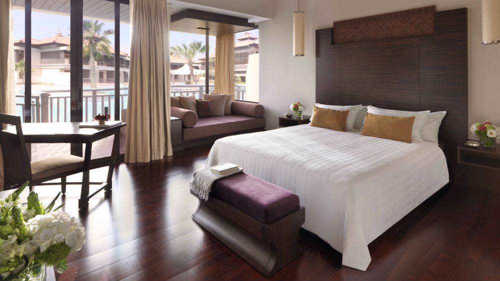 Deluxe Lagoon Access Room at the Anantara The Palm Dubai