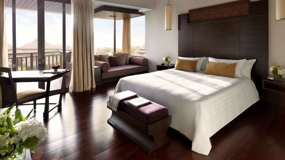 Deluxe Lagoon View Room at the Anantara The Palm Dubai