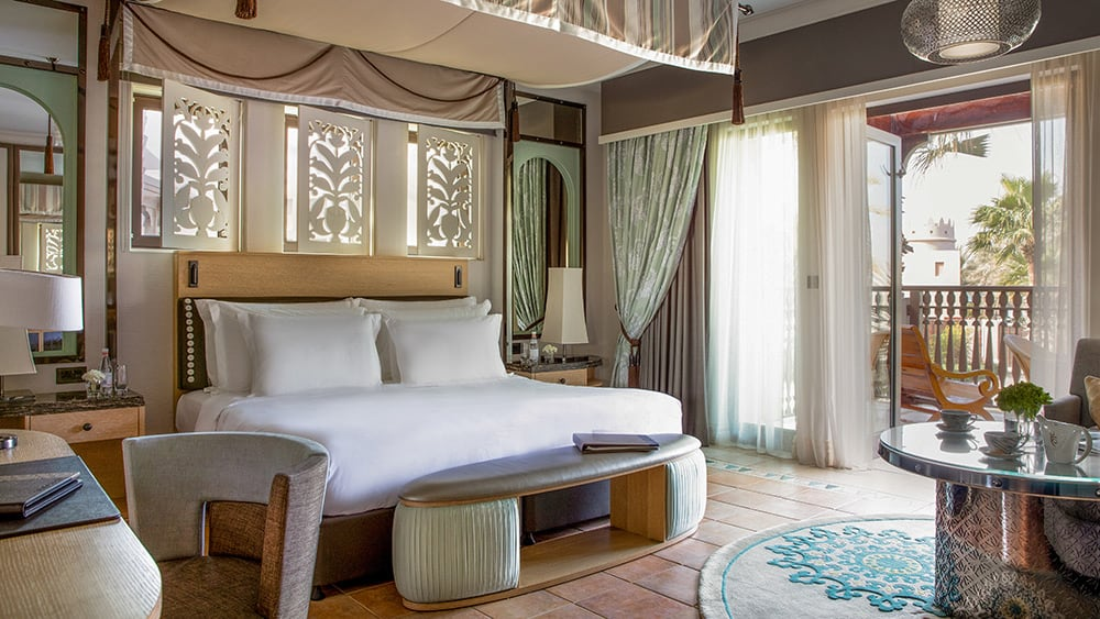 Bedroom of the Gulf Summerhouse Arabian Deluxe at Jumeirah Dar Al Masyaf