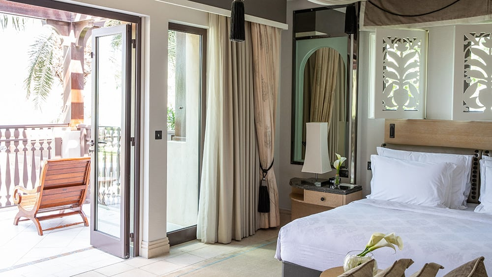 Bedroom of the Gulf Summerhouse Arabian Suite at Jumeirah Dar Al Masyaf