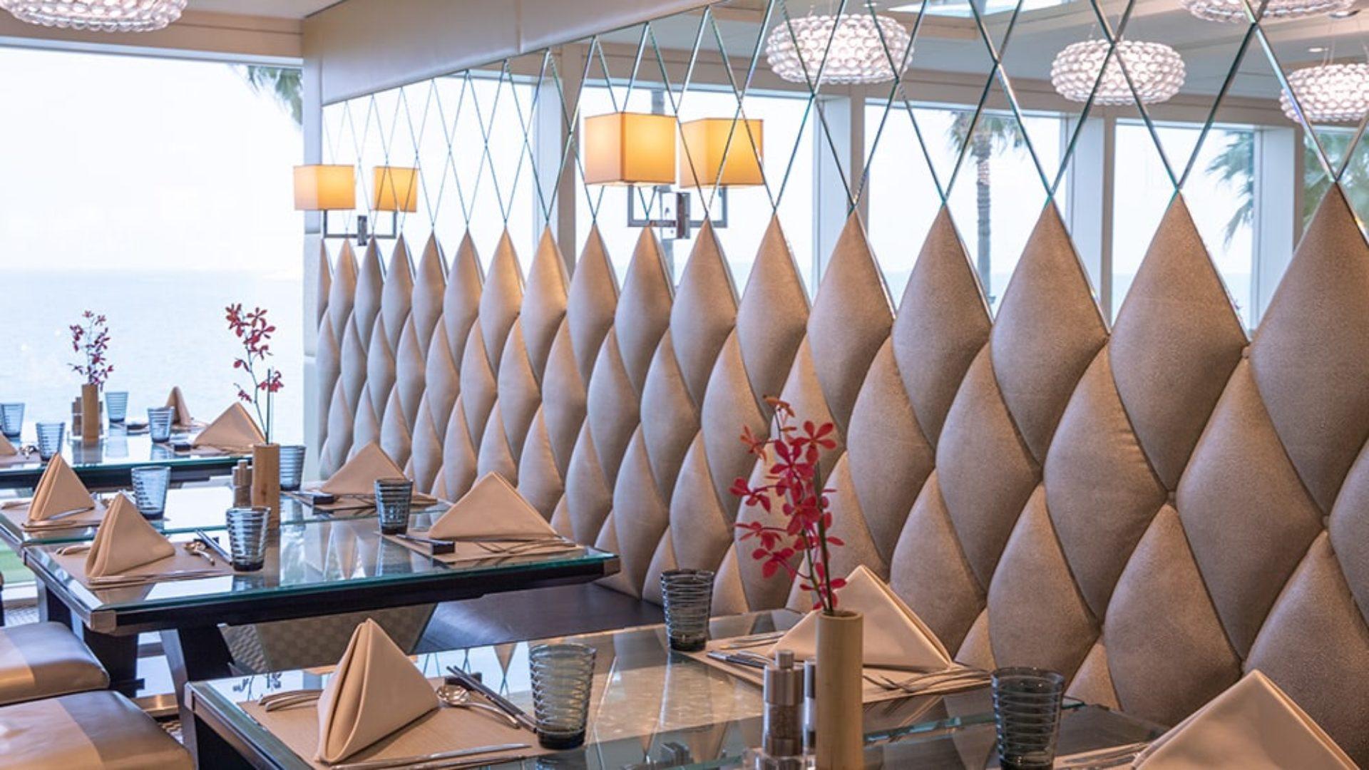 Tables at Junsui Restaurant at the Burj Al Arab