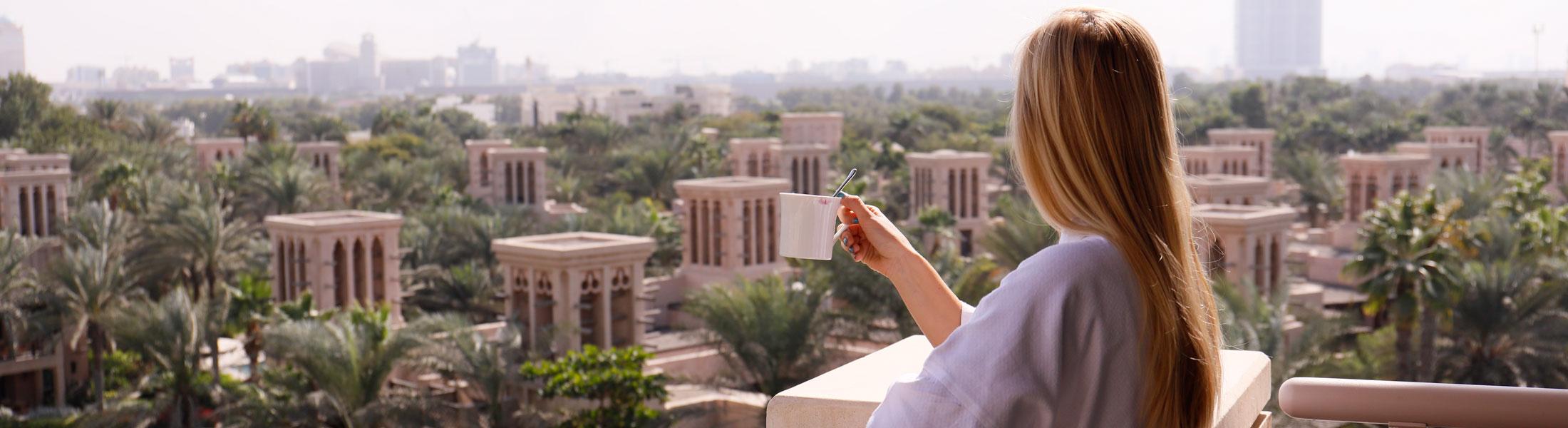 Lady on Balcony at the Jumeirah Al Qasr