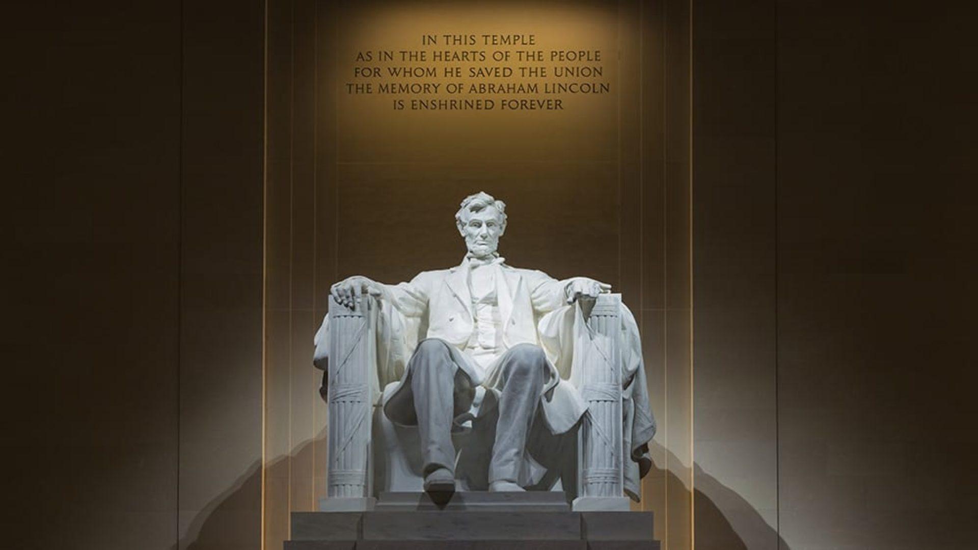 Lincoln Memorial in Washington DC on a USA & Caribbean multi-centre