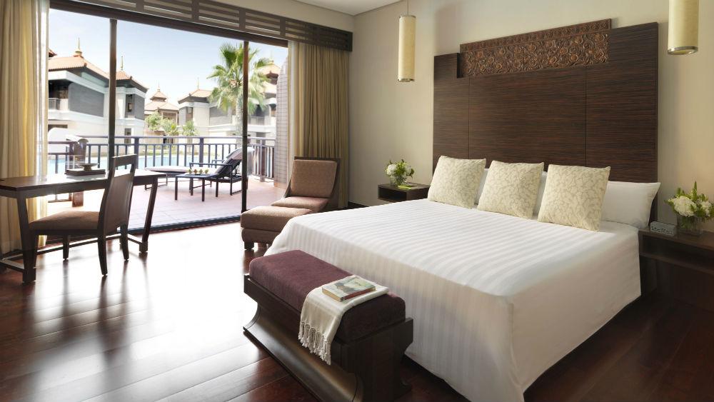 Premier Lagoon Access Room at theAnantara The Palm Dubai