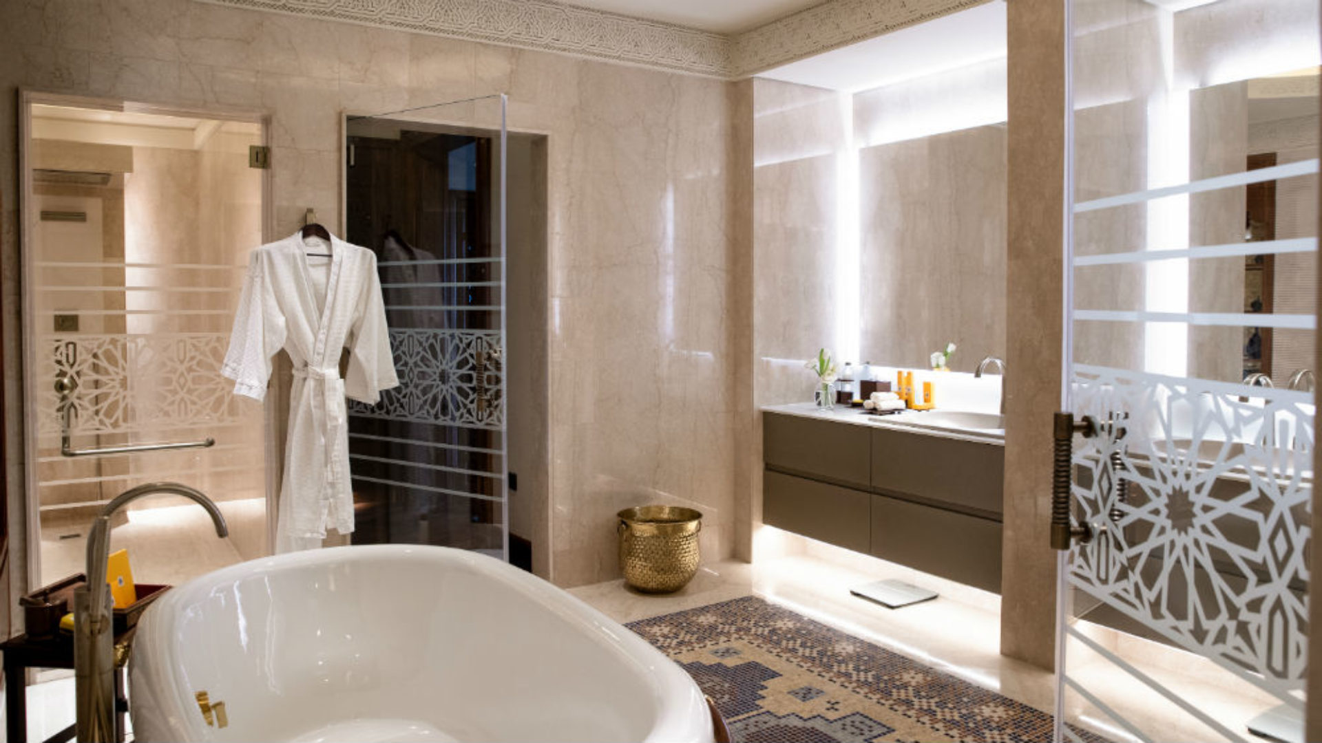 Royal Suite Bathroom at the Jumeirah Al Qasr