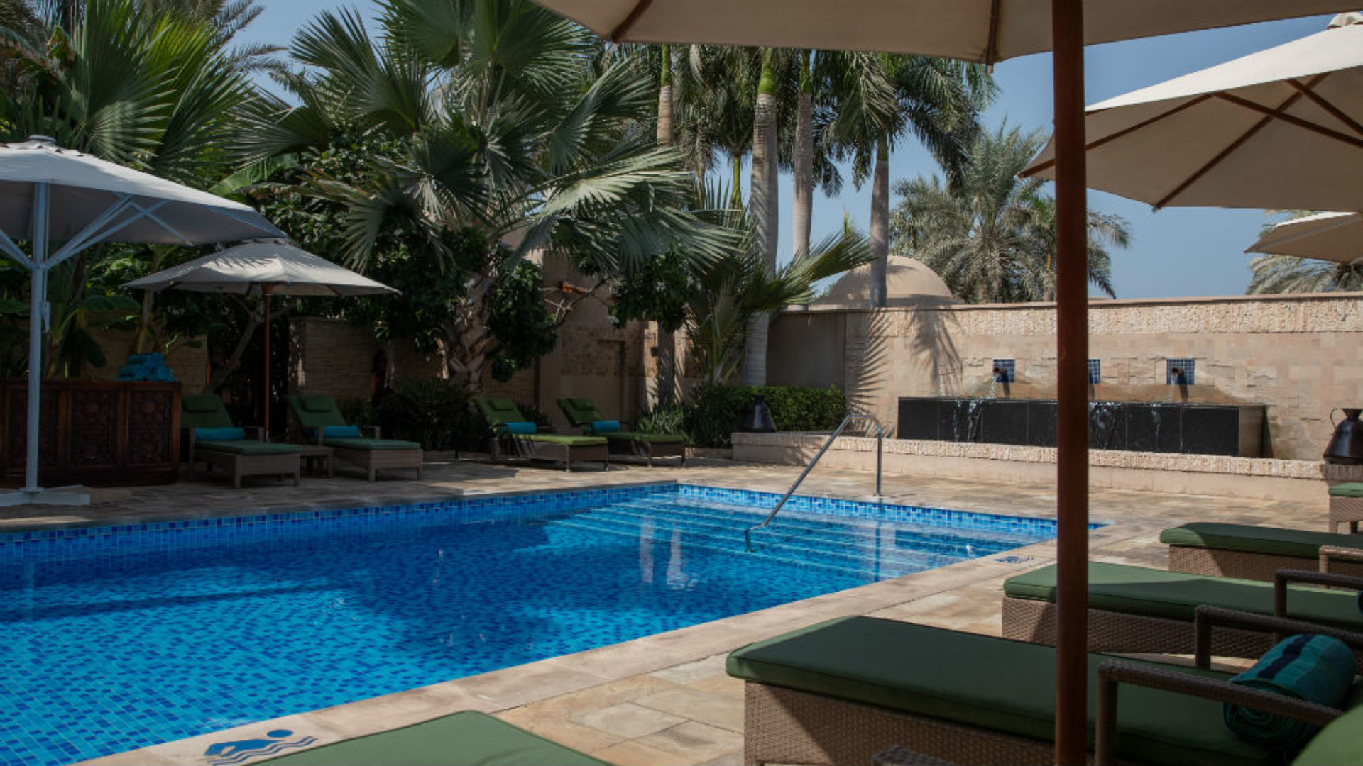 Talise Spa Pool at the Jumeirah Al Qasr