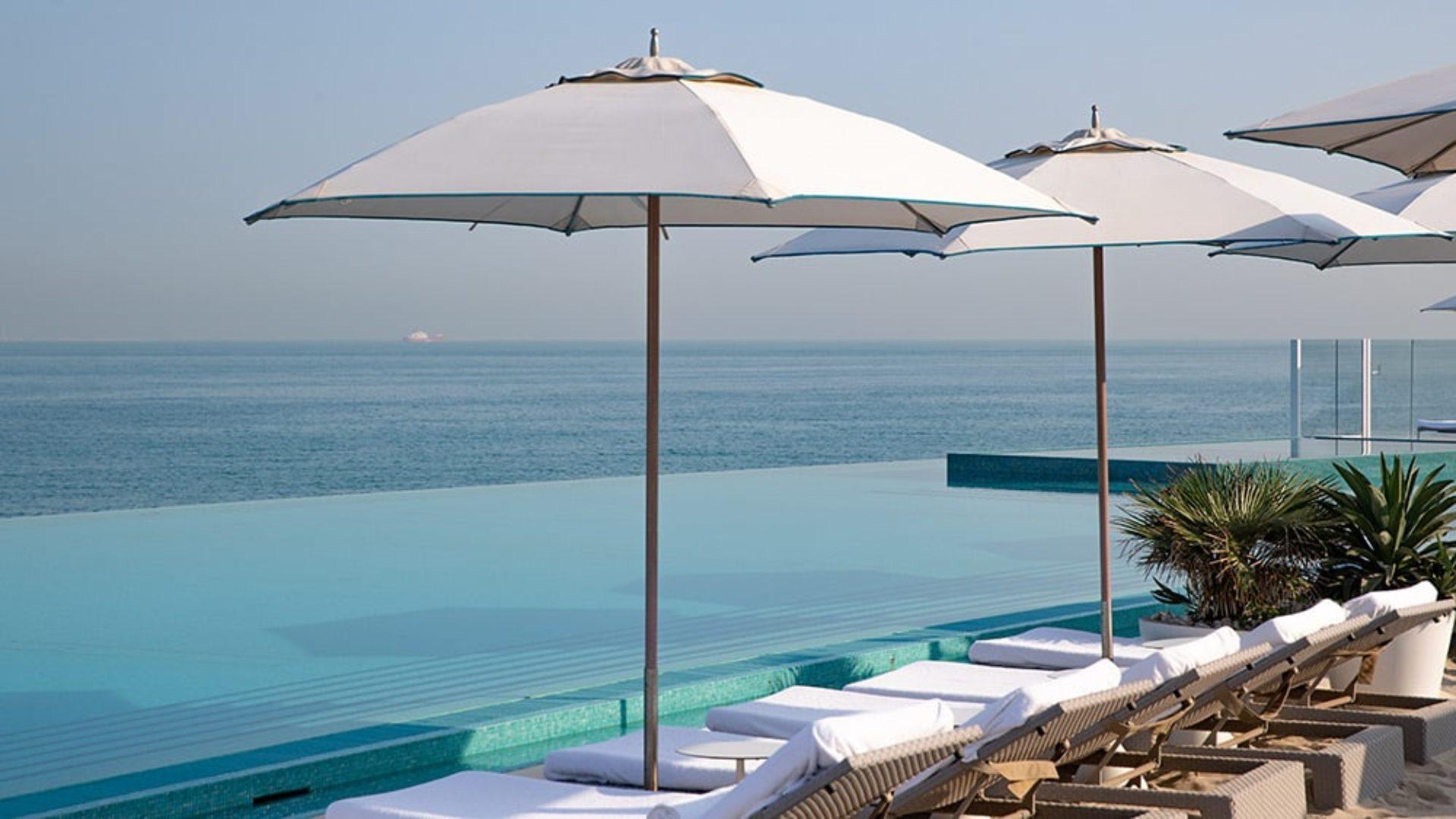 Infinity pool at the Burj Al Arab