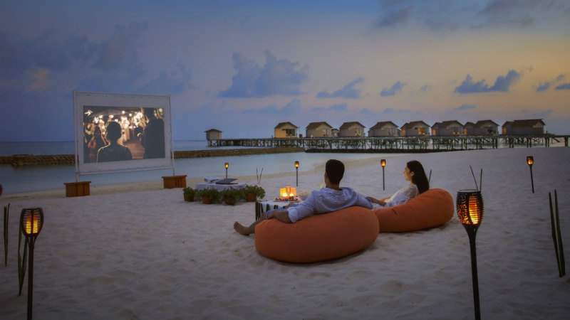 beach cinema, Centara Ras Fushi Resort