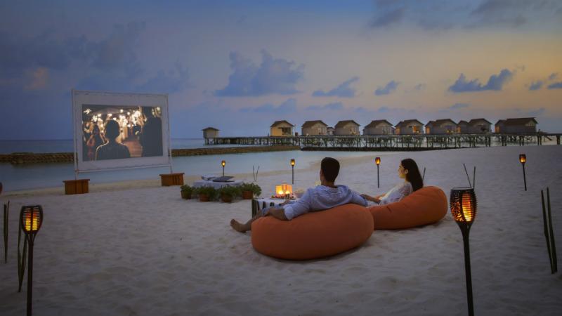 beach cinema, Centara Ras Fushi Resort