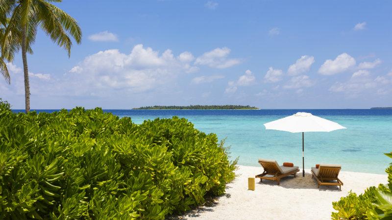 beach at the Faarufushi