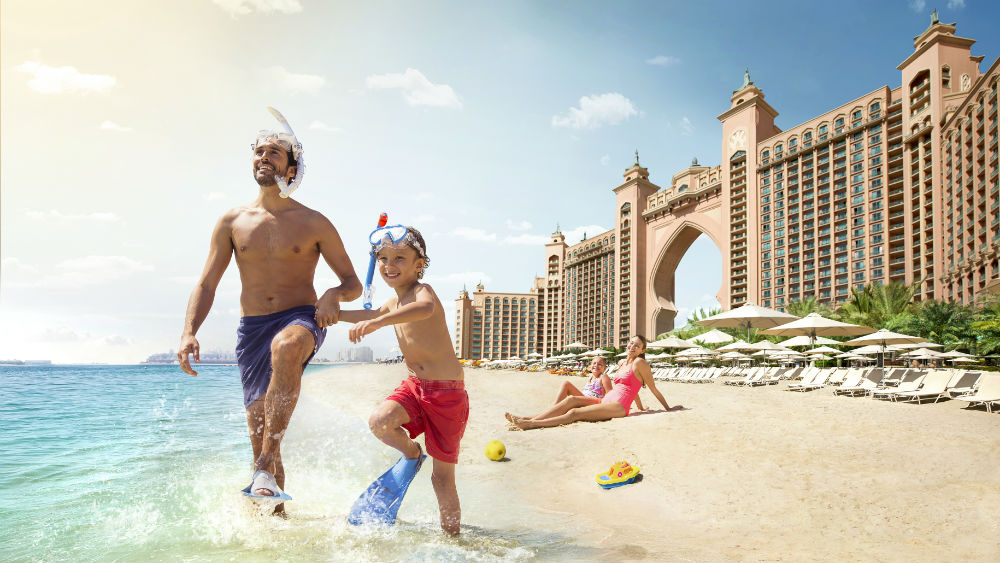 pool and beach at the Atlantis The Palm