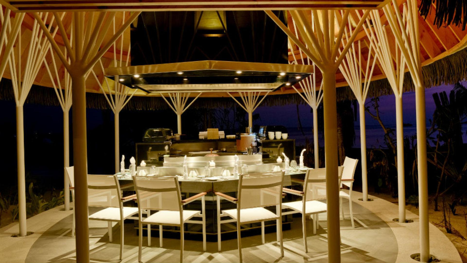 Banzai restaurant at night at Kandolhu Resort