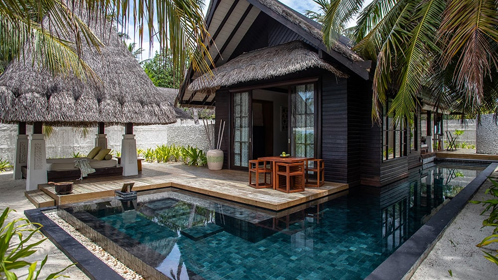 Private plunge pool in the Beach Villa at Jumeirah Vittaveli