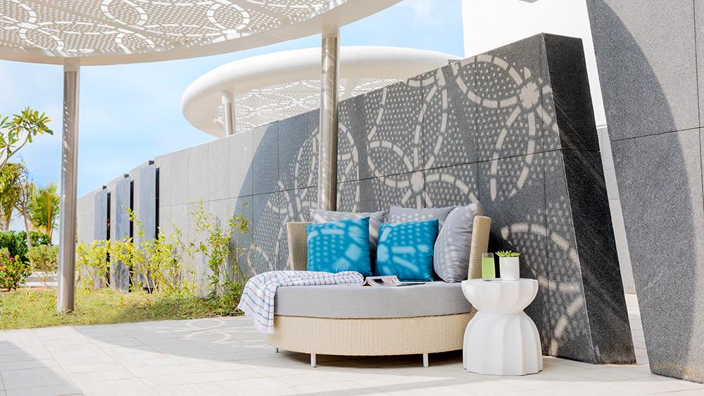 Furnished terrace of the Ocean Terrace Room at Jumeirah at Saadiyat Island