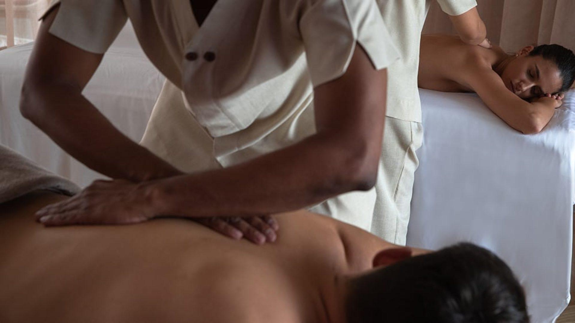 couple getting a massage at Jumeirah at Saadiyat Island