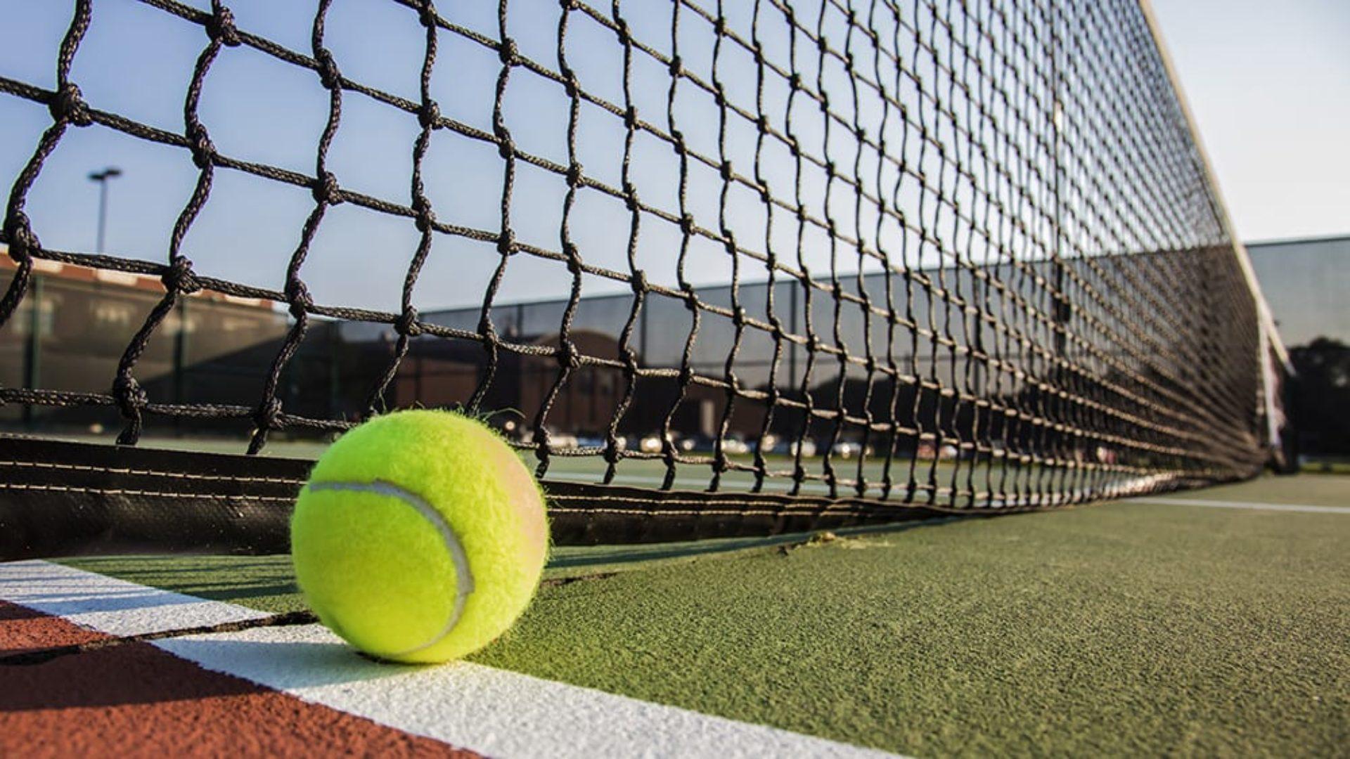 Tennis court at Jumeirah Creekside