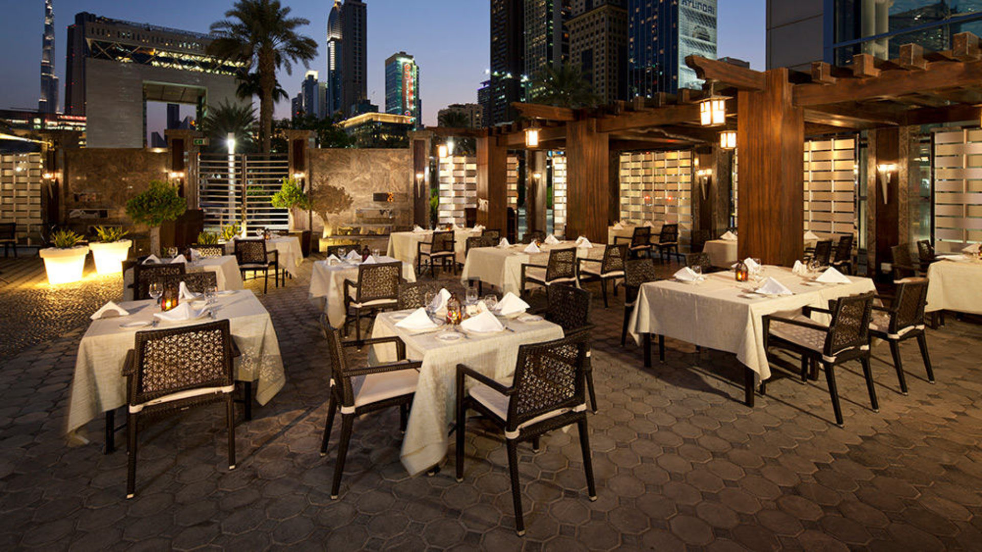 Outdoor dining at Al Nafoorah at Jumeirah Emirates Towers