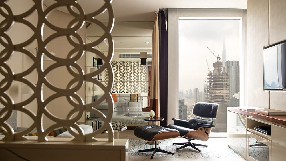 Living area of the Club Junior Suite at Jumeirah Emirates Towers